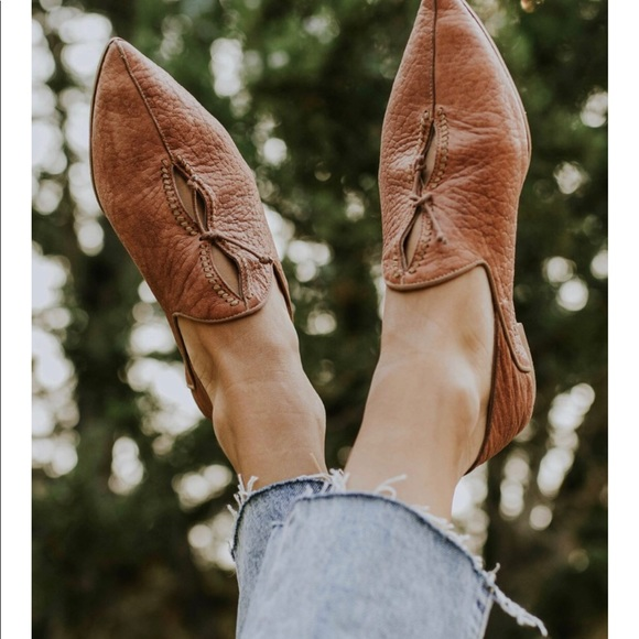 Free People Shoes - SOLD ❤️Free people flats leather brown st Lucia